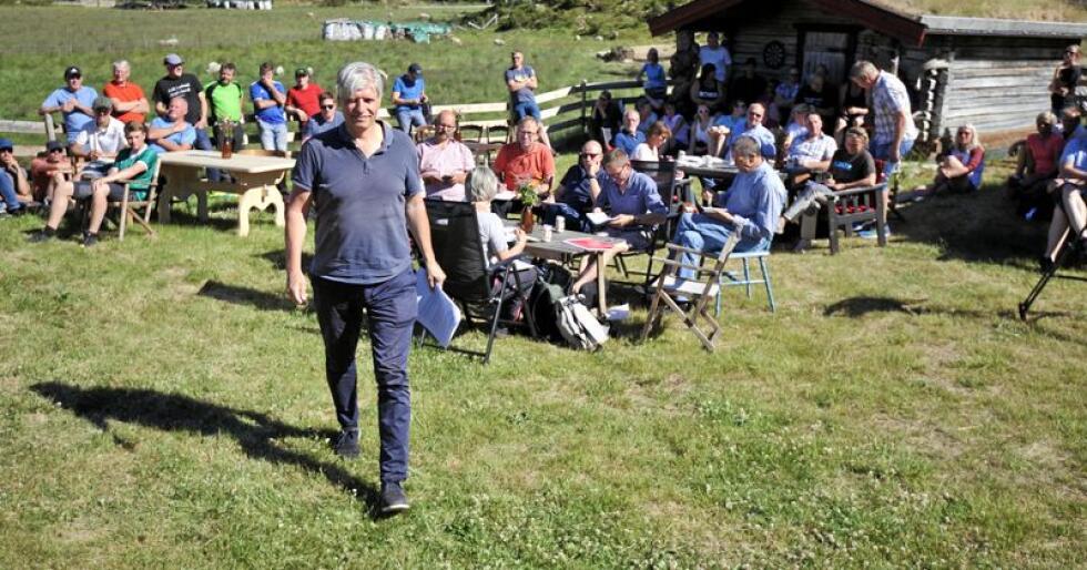Klima- og miljøminister Ola Elvestuen, her på besøk i Nord-Østerdalen. Foto: Sivert Rossing