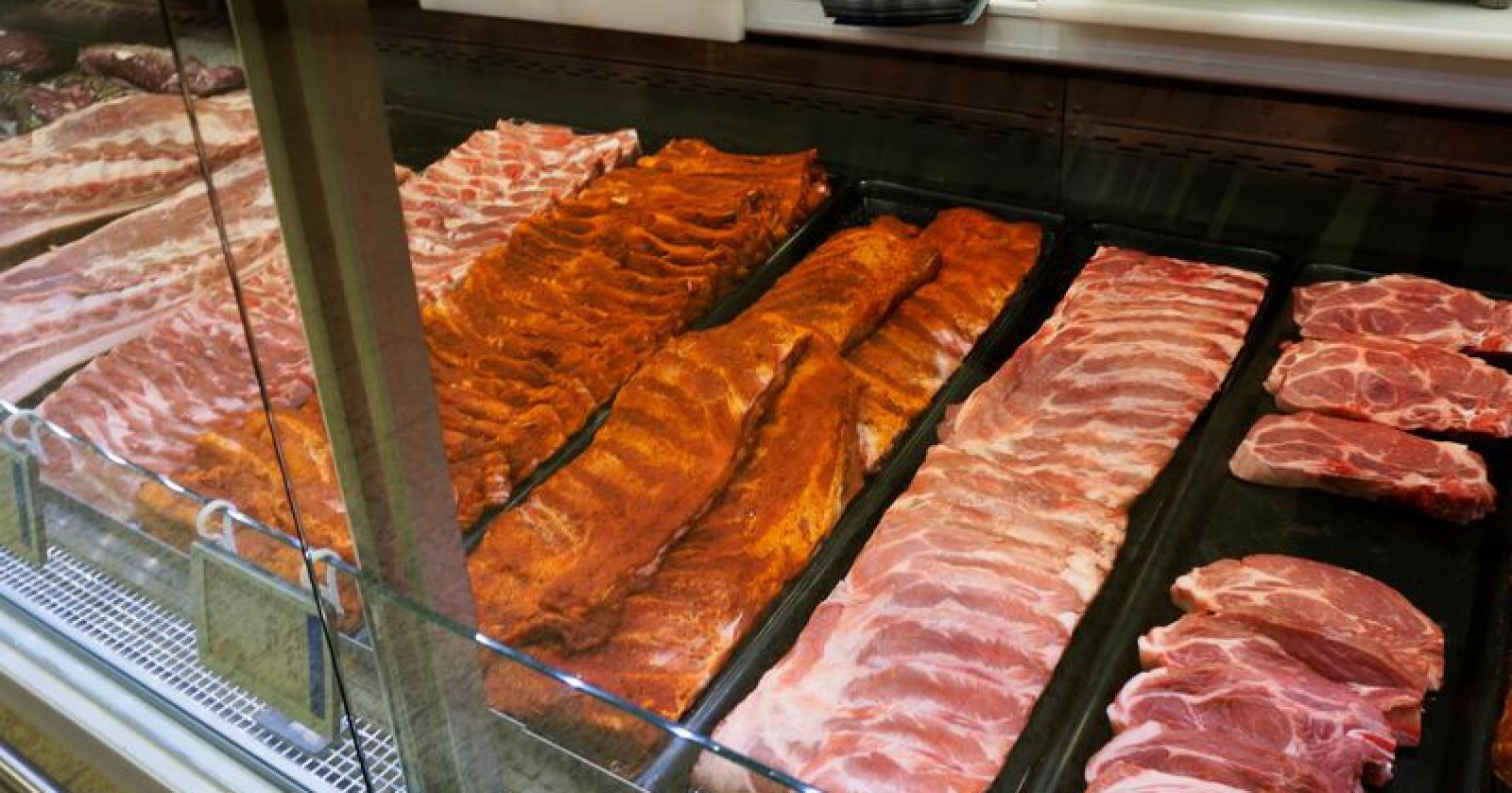 Nortura tror mange velger kjøtt på grillen i sommer, og da spesielt svin. Foto: Mariann Tvete