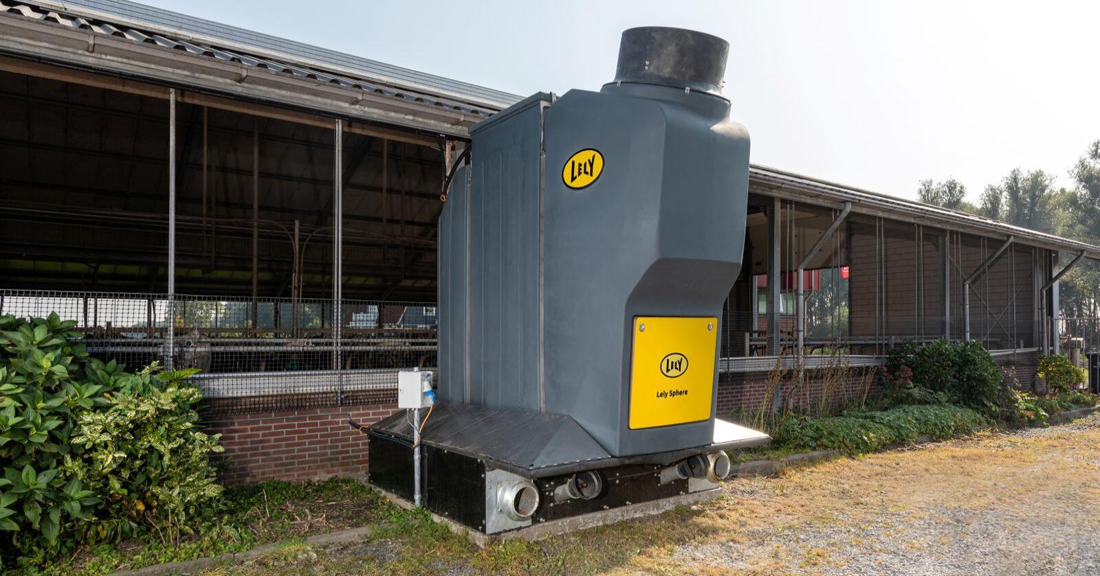 FILTER: I Lely sin N-Capture filtreres ammoniakken og lufta fra fjøset, slik at næringsstoffene tas ut. Foto: Ernie Buts
