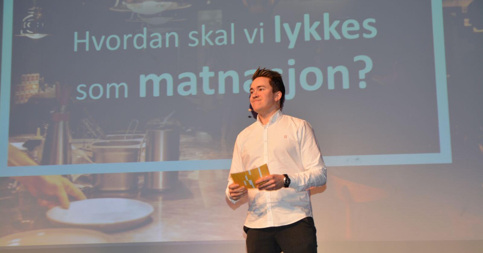 – Vi har fantastiske produsenter med en enorm forkjærlighet for det de gjør, sa Christer Rødseth i sitt innlegg under åpningskonferansen på stormessen SMAK 2020 tirsdag. Foto: Anders Sandbu