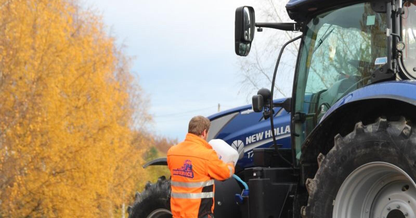 Regjeringa foreslår å øke avgiftene på diesel, i statsbudsjettet for 2020. Arkivfoto: Norsk Landbruk