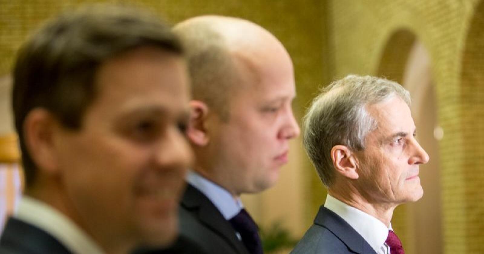 Må svelge kameler: Knut Arild Hareide (KrF), Trygve Slagsvold Vedum (Sp) og Jonas Gahr Støre (Ap) kan ende i regjeringsforhandlinger i høst. Da har de mange saker de må finne kompromisser på. Foto: Torstein Bøe / NTB scanpix