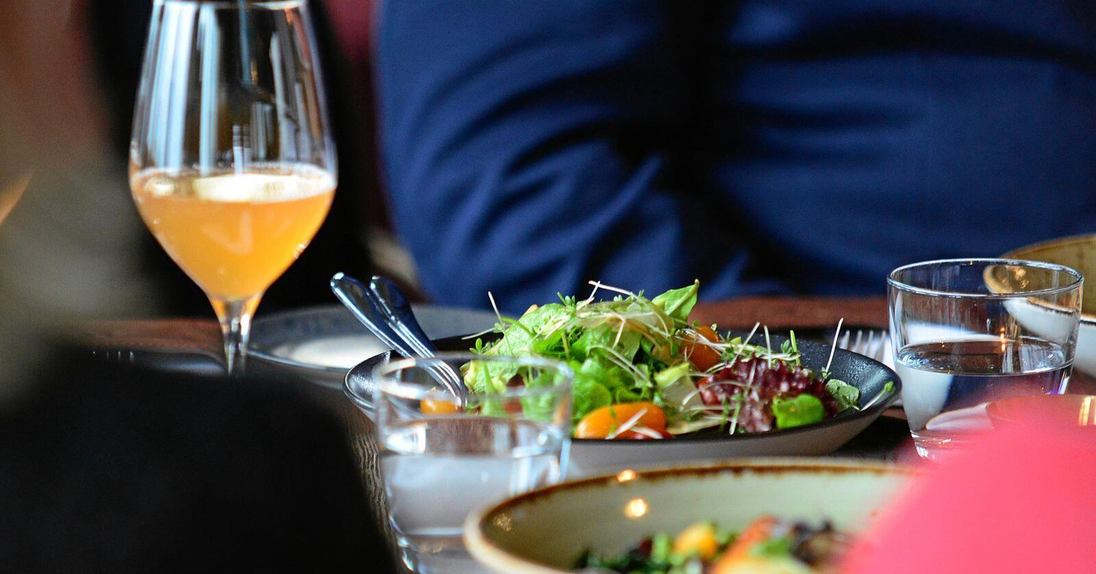 Norsk Bonde- og Småbrukarlag foreslår å merke om maten på restauranter er laget av norske råvarer. Illustrasjonsfoto: Siri Juell Rasmussen