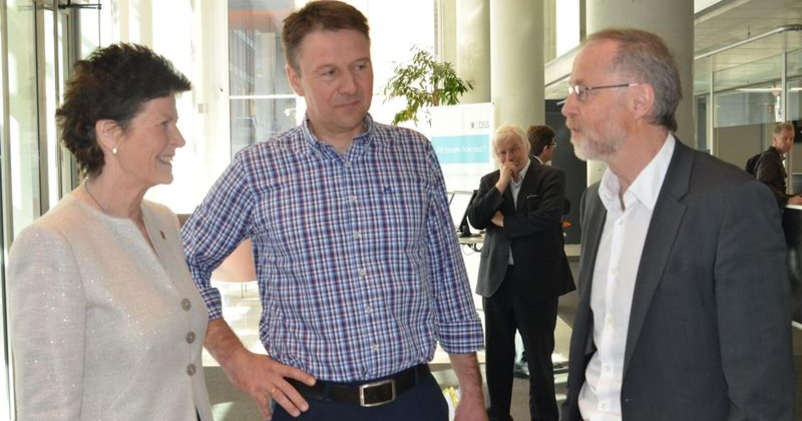 Merete Furuberg og Lars Petter Bartnes er i gang med forhandlinger om en krisepakke til landbruket. Foto: Stian Eide