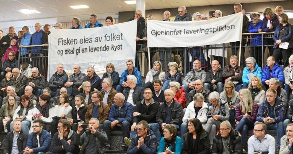 Retten til fisken er blant sakene som skaper engasjement - og jobber - i Distrikts-Norge. Foto: Siri Juell Rasmussen