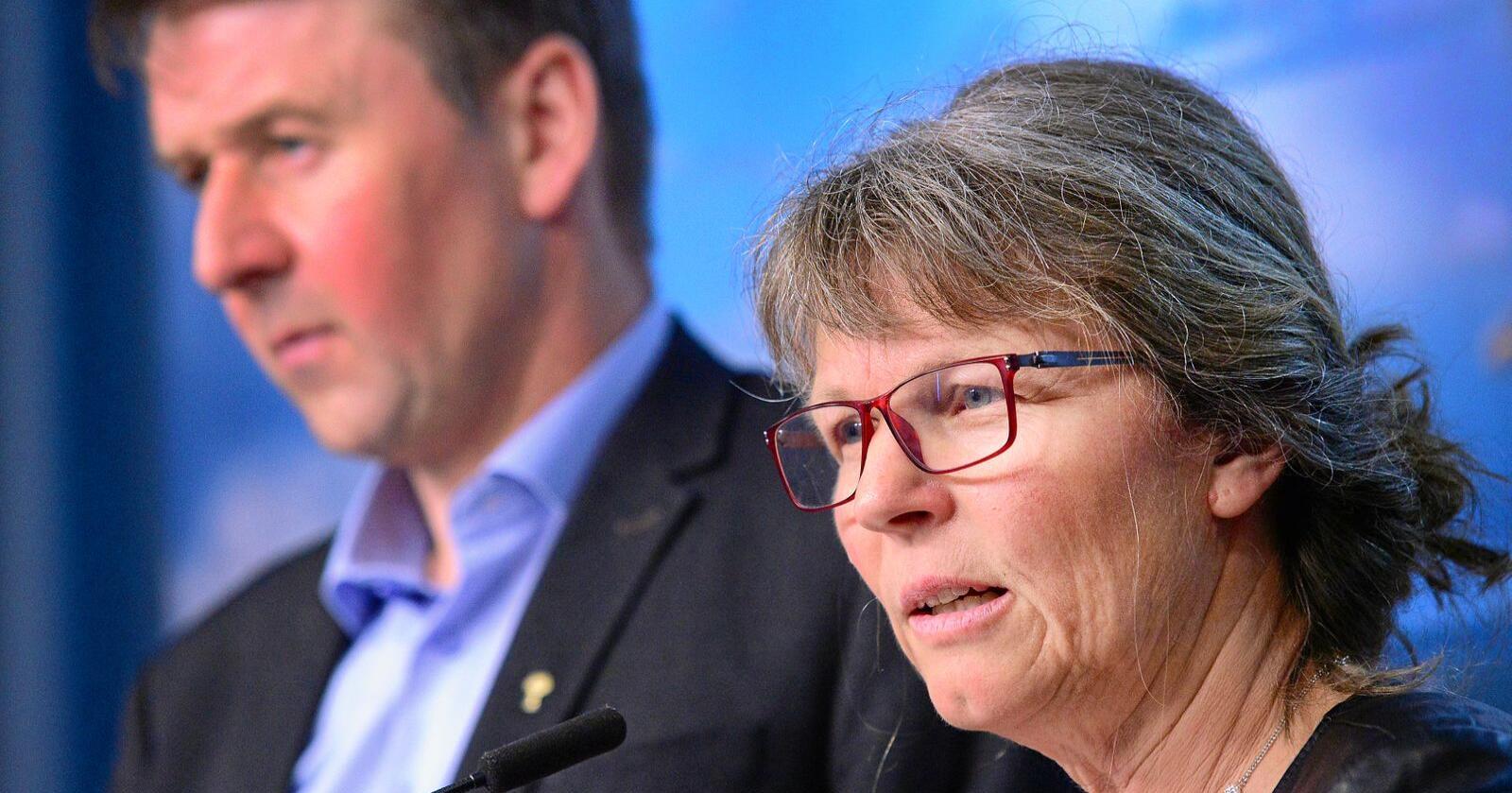 Lars Petter Bartnes, leder i Norges Bondelag og Kjersti Hoff, leder i Norsk Bonde- og Småbrukarlag. Foto: Siri Juell Rasmussen