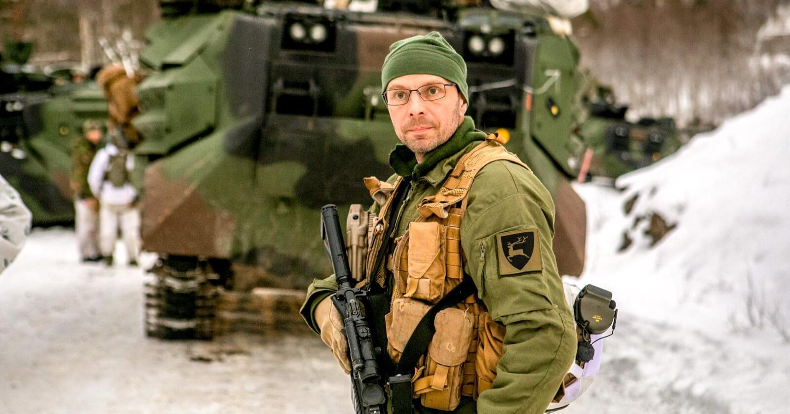 Brigadesjef Pål Berglund flyttet 400 soldater med stridsvogner fra Telemarksbataljonen fra til Vest-Finnmark i løpet av helga. Foto: Forsvaret