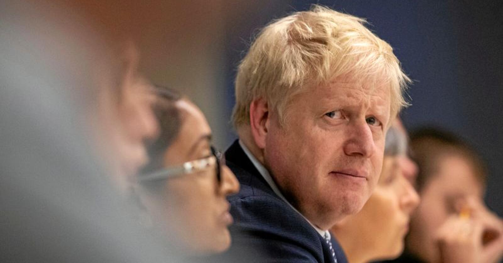 Statsminister Boris Johnson ber om unnskyldning for at han ikke oppfylte løftet om å få Storbritannia ut av EU innen 31. oktober. Foto: AP / NTB scanpix