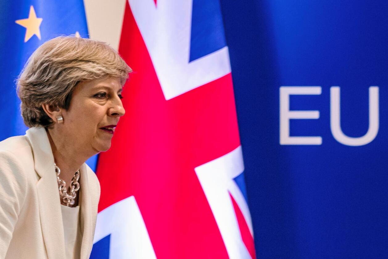 Hvilken vei?: Den britiske statsministeren Theresa May skal lede Storbritannia ut av EU. Men hva blir alternativet? Foto: Geert Vanden Wijngaert / AP / NTB scanpix