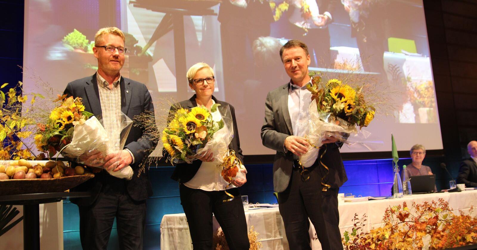 Lars Petter Bartnes er gjenvalgt som leder av Norges Bondelag. Bjørn Gimming fortsetter som 1. nestleder. Bodhild Fjelltveit er valt til ny 2. nestleder. (Foto: Guro Bjørnstad/Norges Bondelag)