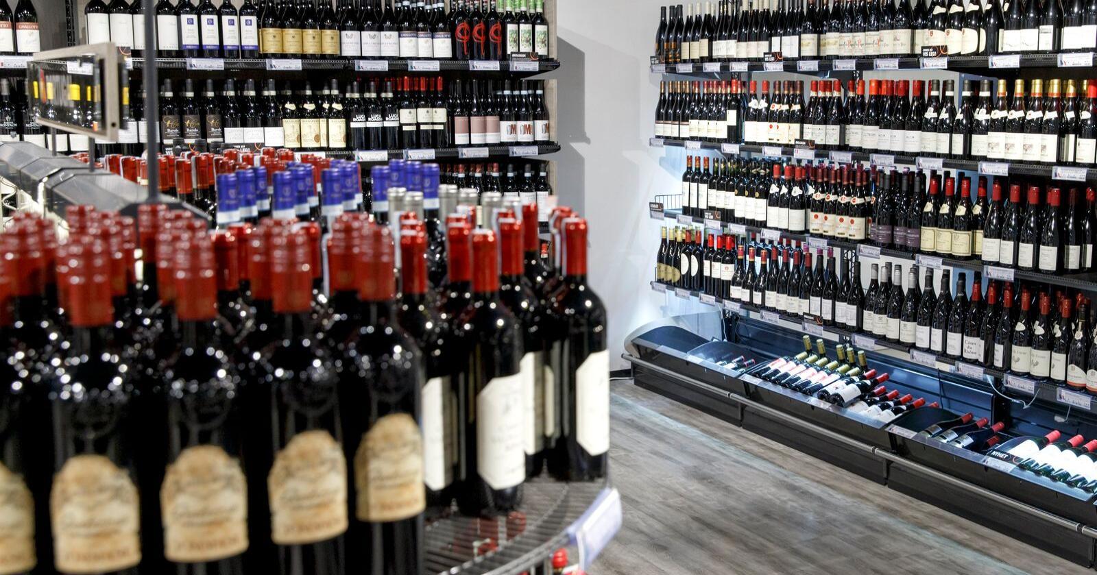 Nordmenn har kjøpt langt mer alkohol i Norge så langt i år. Foto: Gorm Kallestad / NTB scanpix