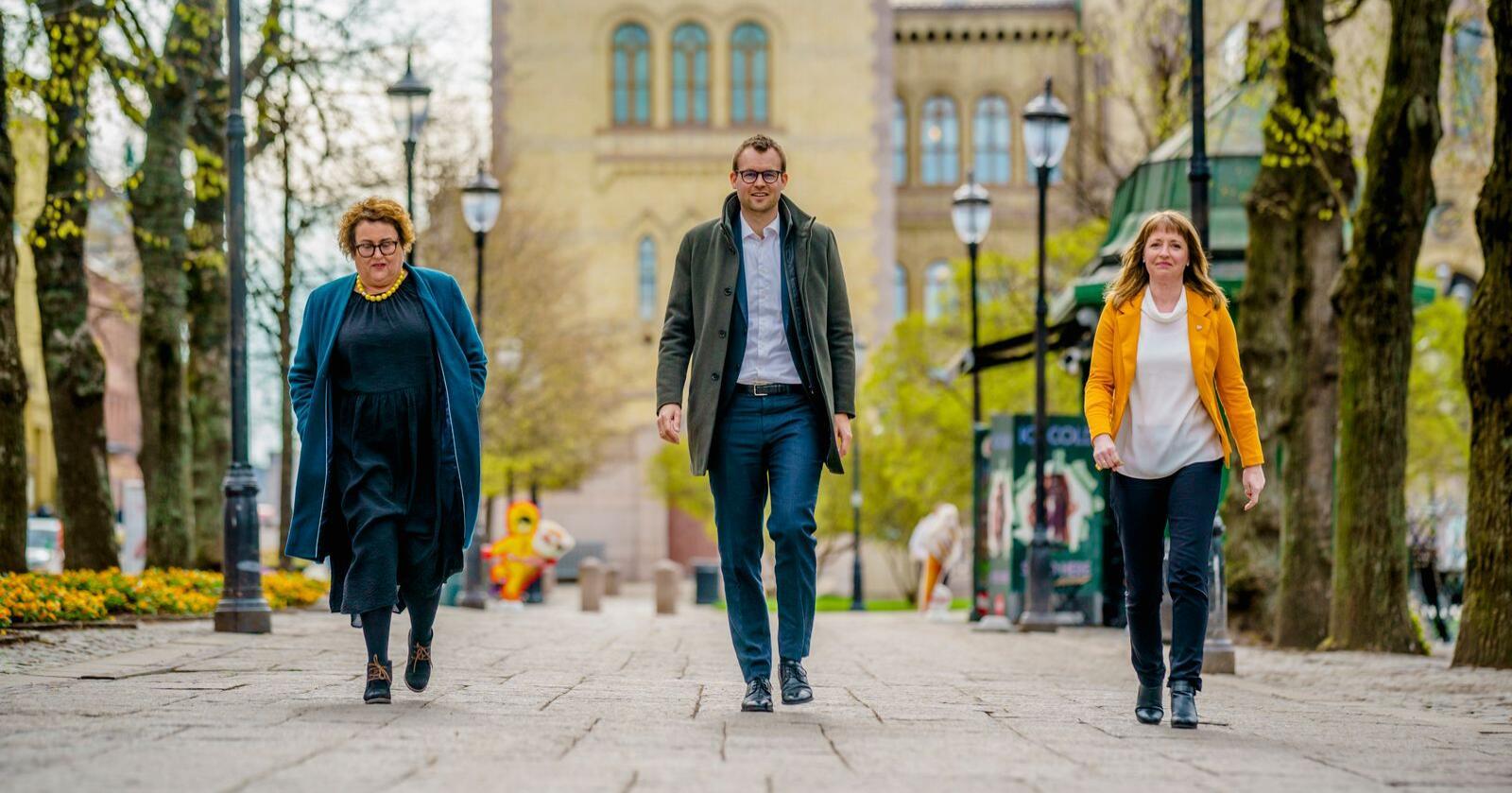 Flere mener at milliardene satt løst på KrFs landsmøte denne helgen. Her er ledertrioen Olaug Bollestad, Kjell Ingolf Ropstad og Ingelin Noresjø. Foto: Stian Lysberg Solum / NTB