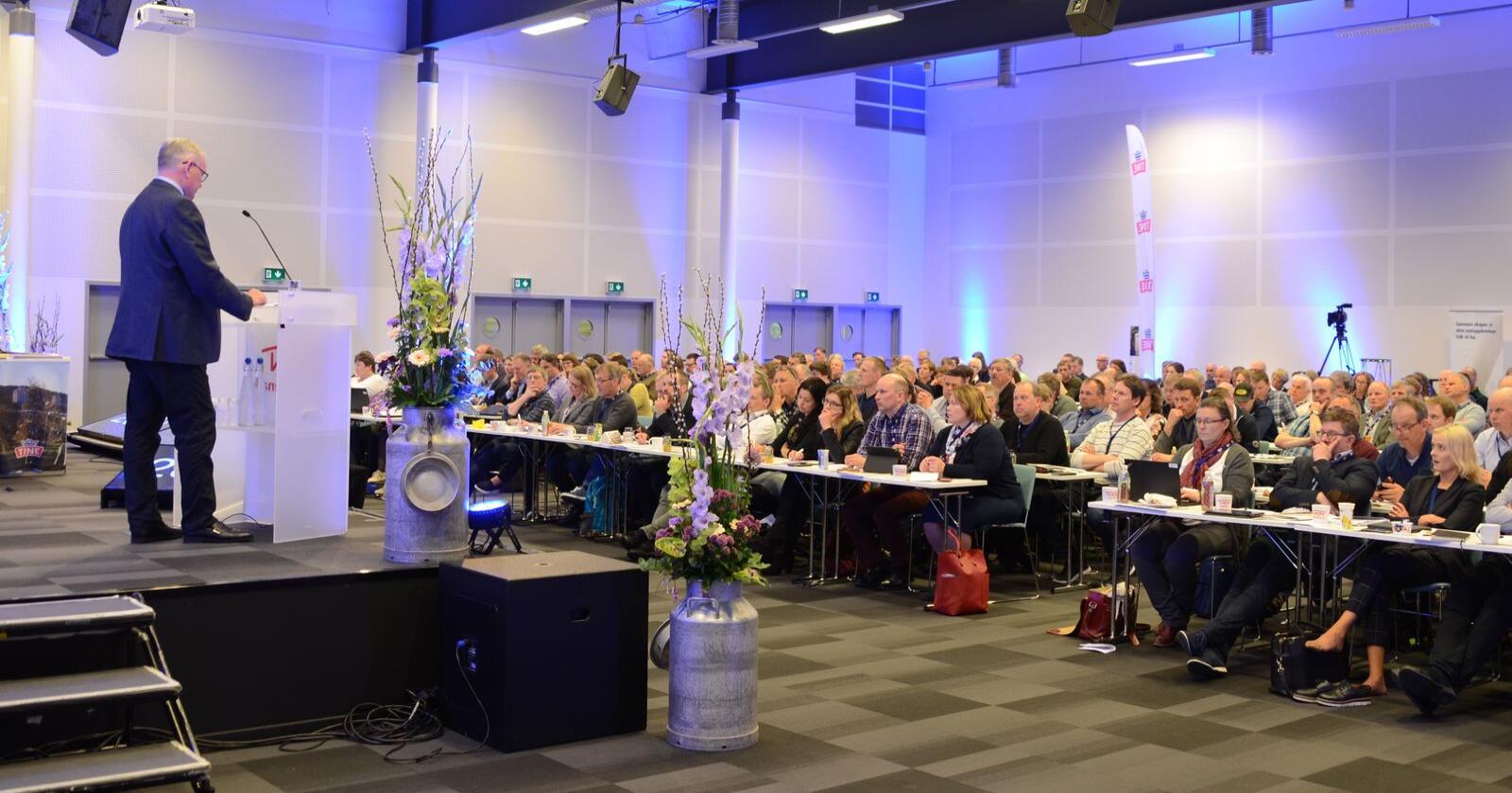 Utvalg og råd: Tine-styret foreslår fortsatt å legge ned eierutvalgene, samt å redusere størrelsen på rådet fra 40 til 20 medlemmer, men nå med en overgangsfase. (Arkivfoto: Linda Sunde)