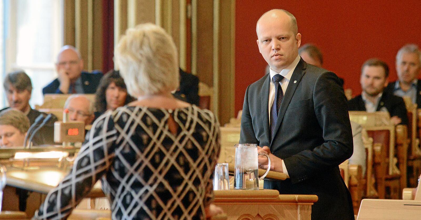 Trygve Slagsvold Vedum og Senterpartiets oppslutning faller med 5,6 prosentpoeng på Opinions måling for februar. Foto: Siri Juell Rasmussen