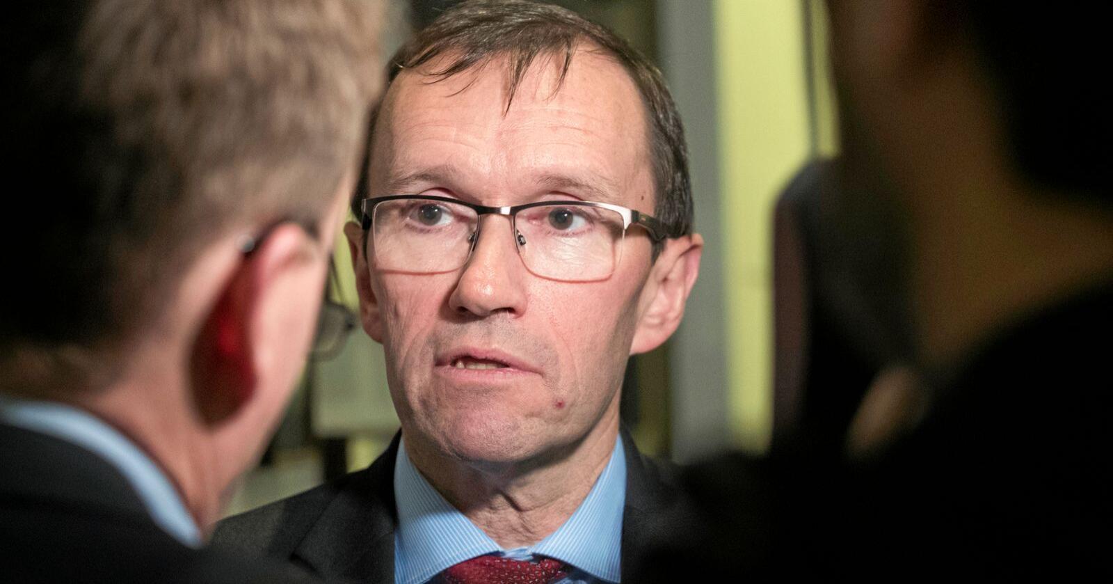 "Aps ""Acer-general"": Klimapolitisk talsperson Espen Barth Eide ser ikke ut til å ville si et klart nei til NorthConnect-kabelen. Foto: Terje Bendiksby / NTB scanpix"