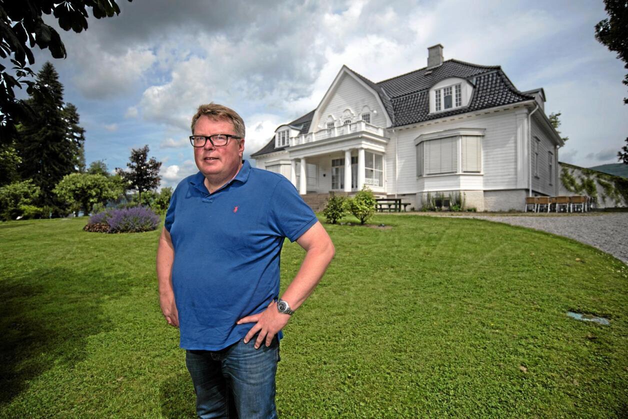 Bekymret: Hotelleier Olav Lie-Nilsen ved Thorbjørnrud hotell på Jevnaker er redd for konsekvensene av økt moms. Foto: Vidar Sandnes