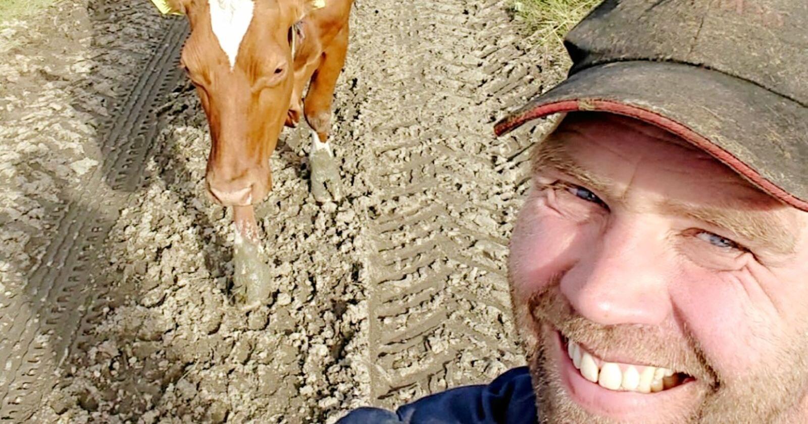 Kristian Hines tykkjer at det verkar veldig urettferdig at bønder og kyr får skulda for klimaendringane. Foto: Privat.