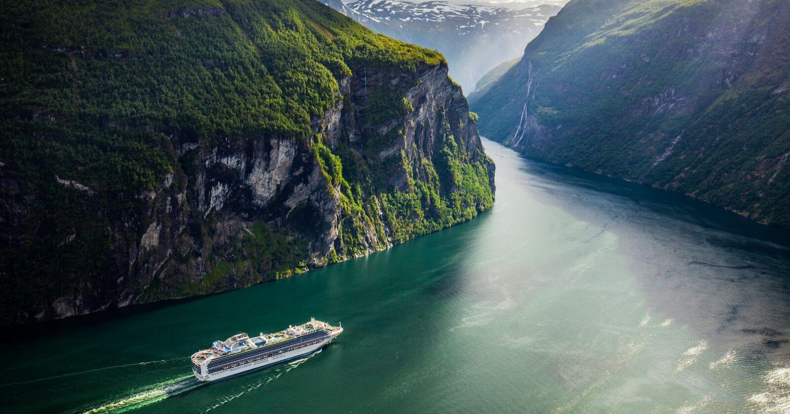 Utsikt over Geirangerfjorden, et yndet mål for mange cruiseturister. Foto: Halvard Alvik / NTB