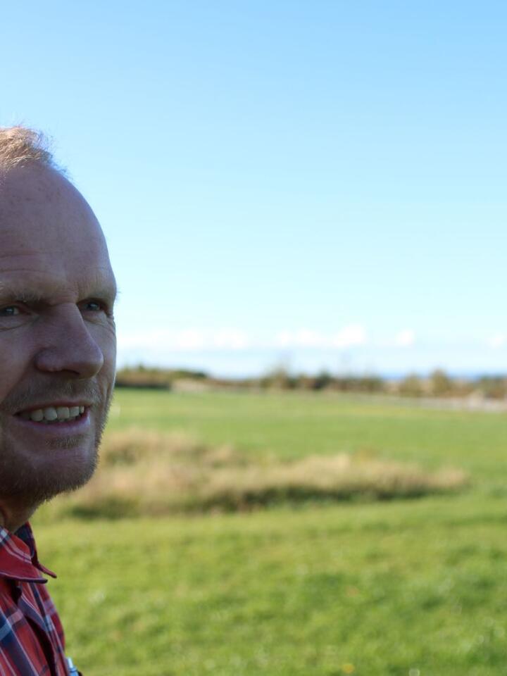 Begynte: Peder Skåre har i dag kontor rett ved Norsvin sin teststasjon, der han begynte landbrukskarrieren sin i 1984.