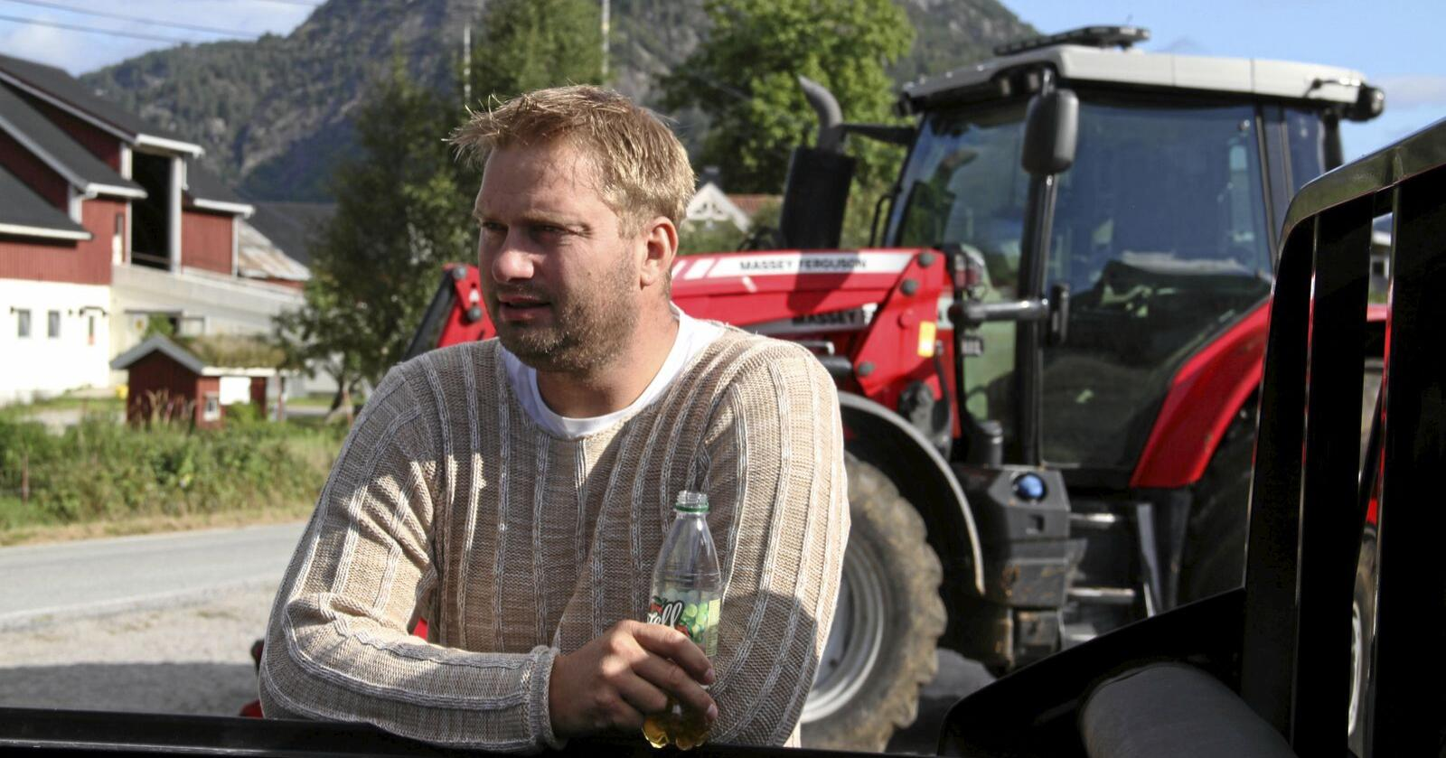 Knut Erik Ulltveit er leiar i Agder Bondelag, og er uroa over manglande tidsramme for tetting av inntektsgapet. Foto: Øystein Moi