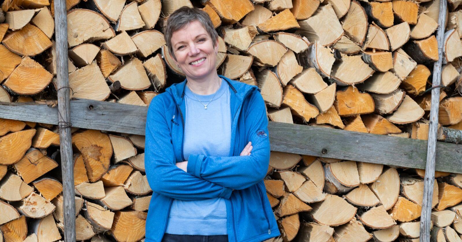 Marit Hermansen er president i Den norske legeforening  og meiner arbeidsbelastninga til legevaktlegane svekkar rekrutteringa både til fastlegeordninga og legevakten. Foto: Berit Roald / NTB