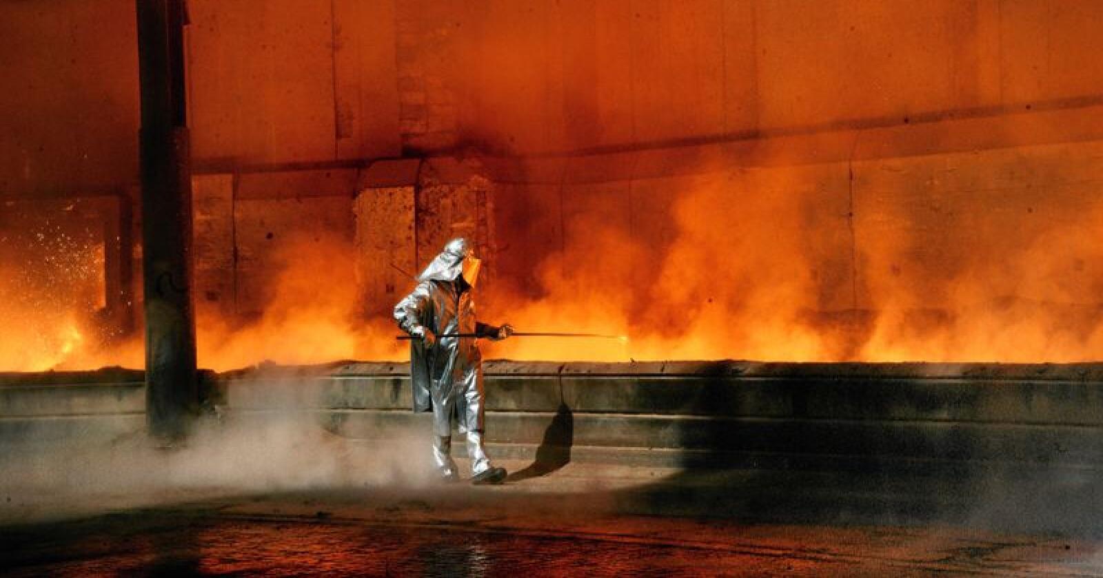 Mye av eksportnæringene og produksjon er spredt rundt i Distrikts-Norge. Her fra smelteverket i Sauda. Foto: Siri Juell Rasmussen
