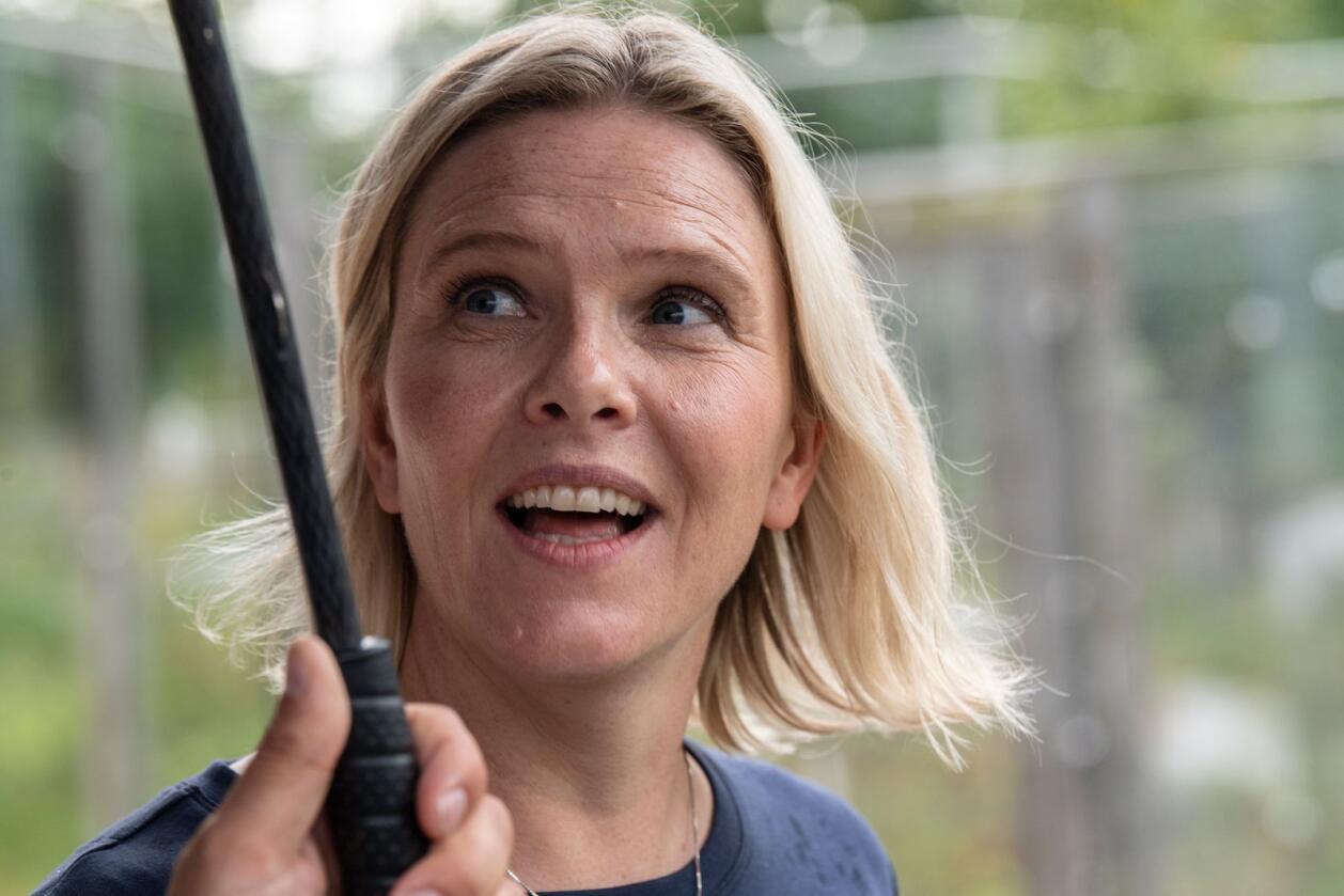 Sylvi Listhaug, FrPs leder, besøker Akvariet i Bergen. Foto: Marit Hommedal / NTB