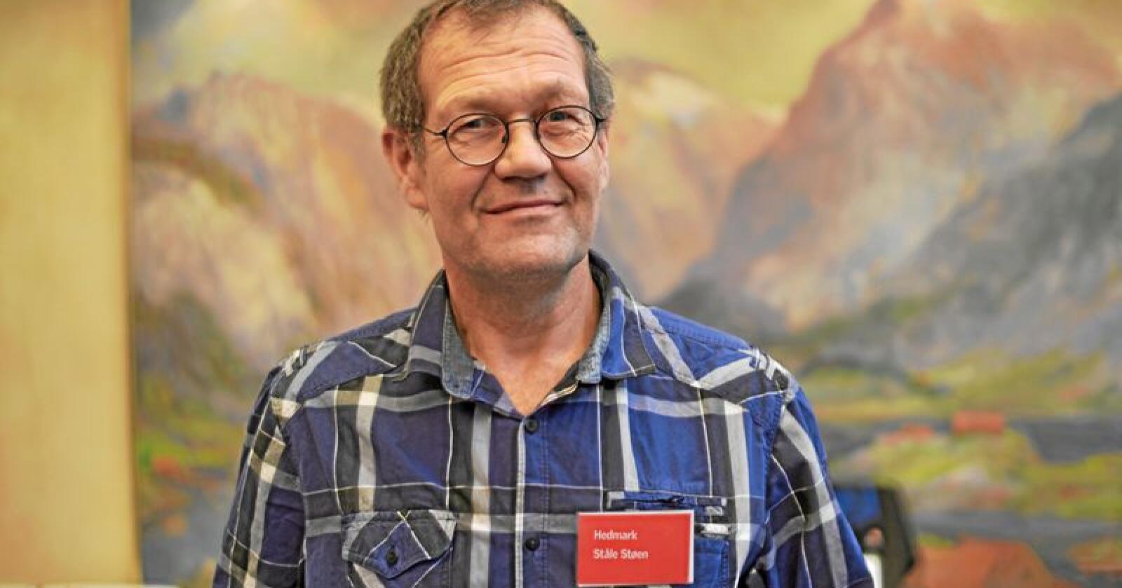 Ståle Støen, leder i rovviltutvalget i Norsk Bonde- og Småbrukarlag, håper at flere fylkesmenn gjør som Innlandet og lager beredskapsplaner ved rovviltskader. Foto: Tori Aarseth/Nei til EU