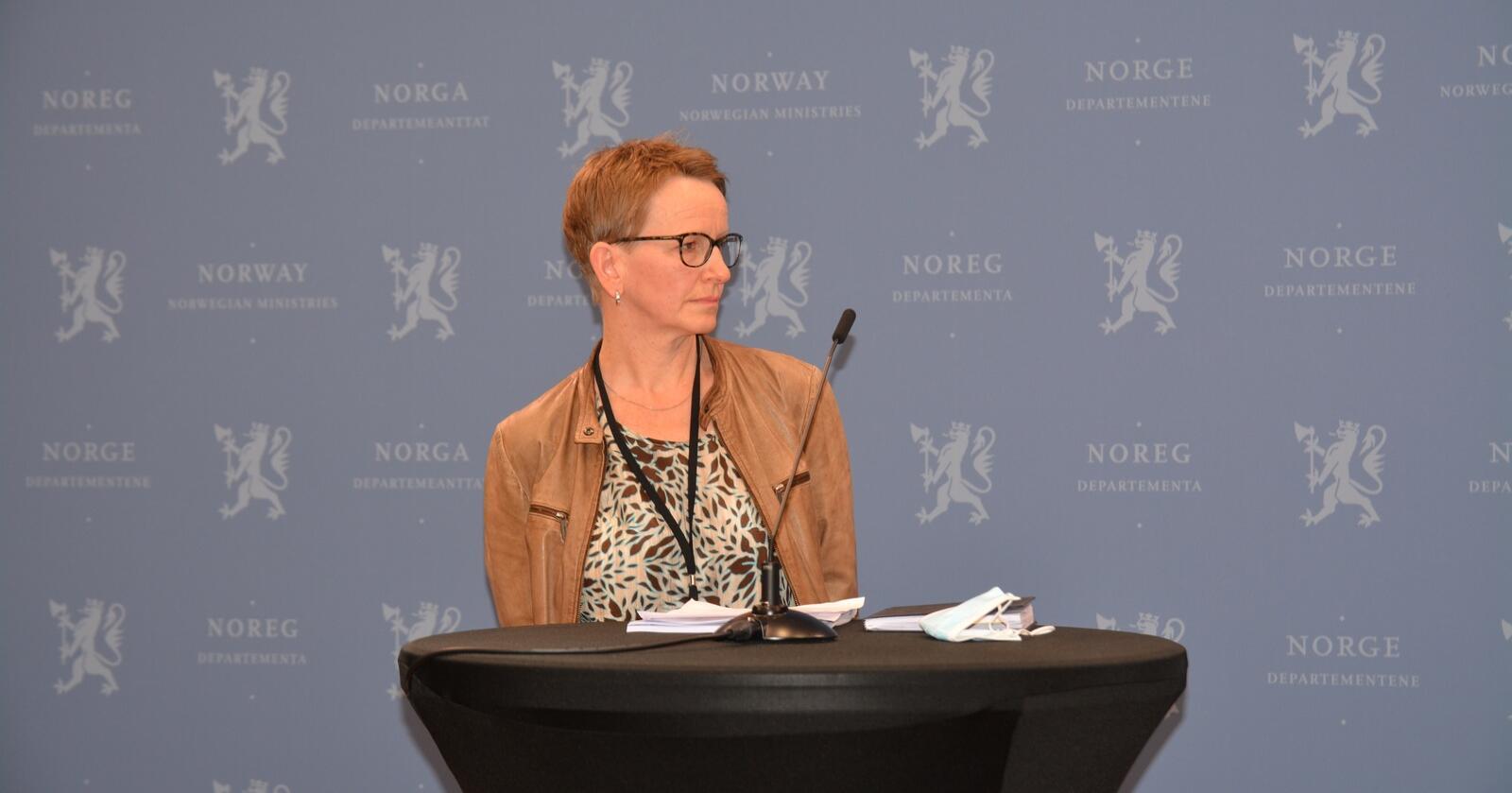 Viil Søyland er statens forhandlingsleder. Dette bildet ble tatt da hun fikk jordbrukets krav. (Foto: Anders Sandbu)