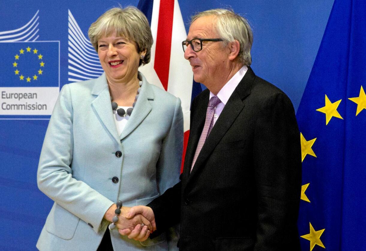 Brexit: I mål etter første etappe av brexit-forhandlingene. Statsminister Theresa May og