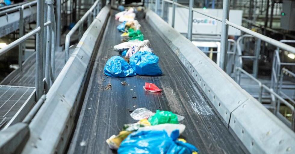 Hushaldsøppel, bygningsafall eller avfall frå kafedrift. Det kan liggje forretningsmoglegheiter i det, meiner Cirkular Norway, som vil danne ein brei bransjeorgansasjon for sirkulær økonomi. Foto: Terje Pedersen / NTB scanpix