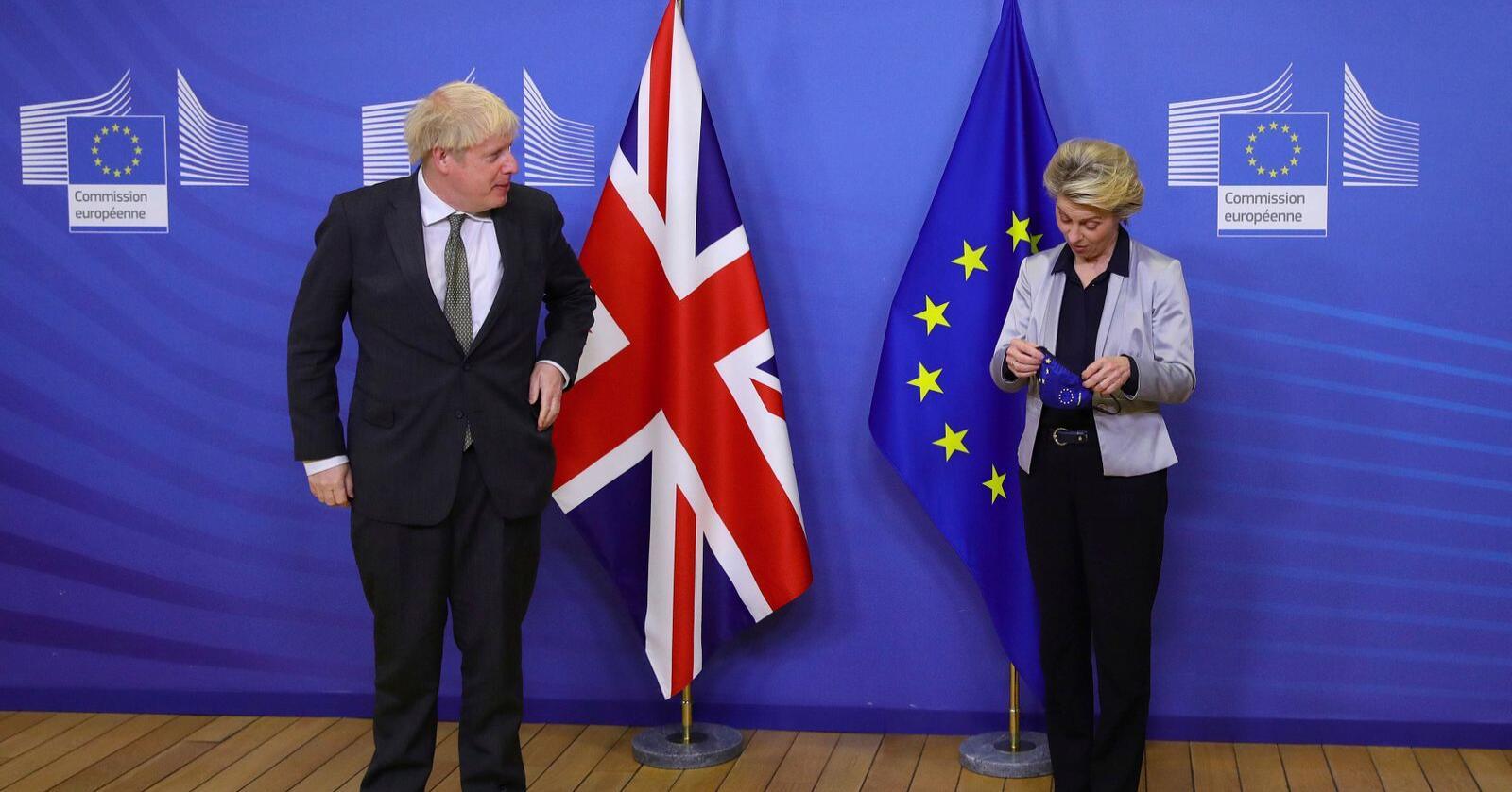 Storbritannias statsminister Boris Johnson forhandlet i trange rammer med Europa-kommisjonens president Ursula von der Leyen. Foto: Aaron Chown/AP