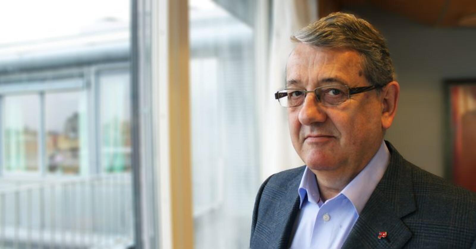 Riksrevisor Per-Kristian Foss har konkludert med at rovviltforvaltningen ikke fungerer etter hensikten. (Foto: Riksrevisjonen)