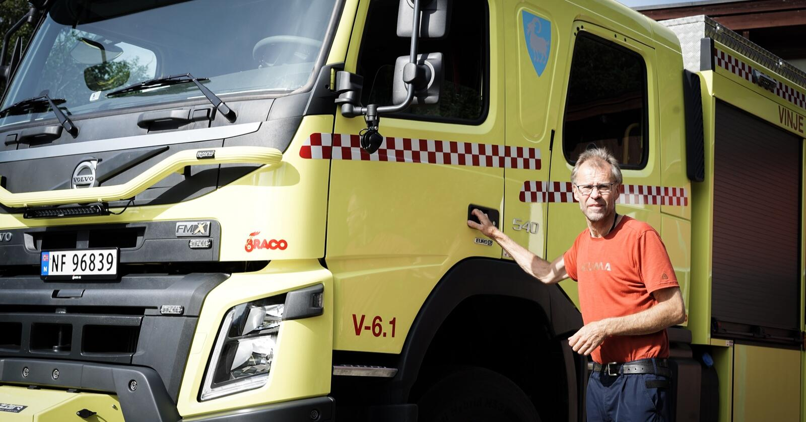 Olav Ringhus, leder for brann og beredskap i Vinje kommune, håper på mer synlig politi og kortere responstid. Foto: Benjamin H. Vogl