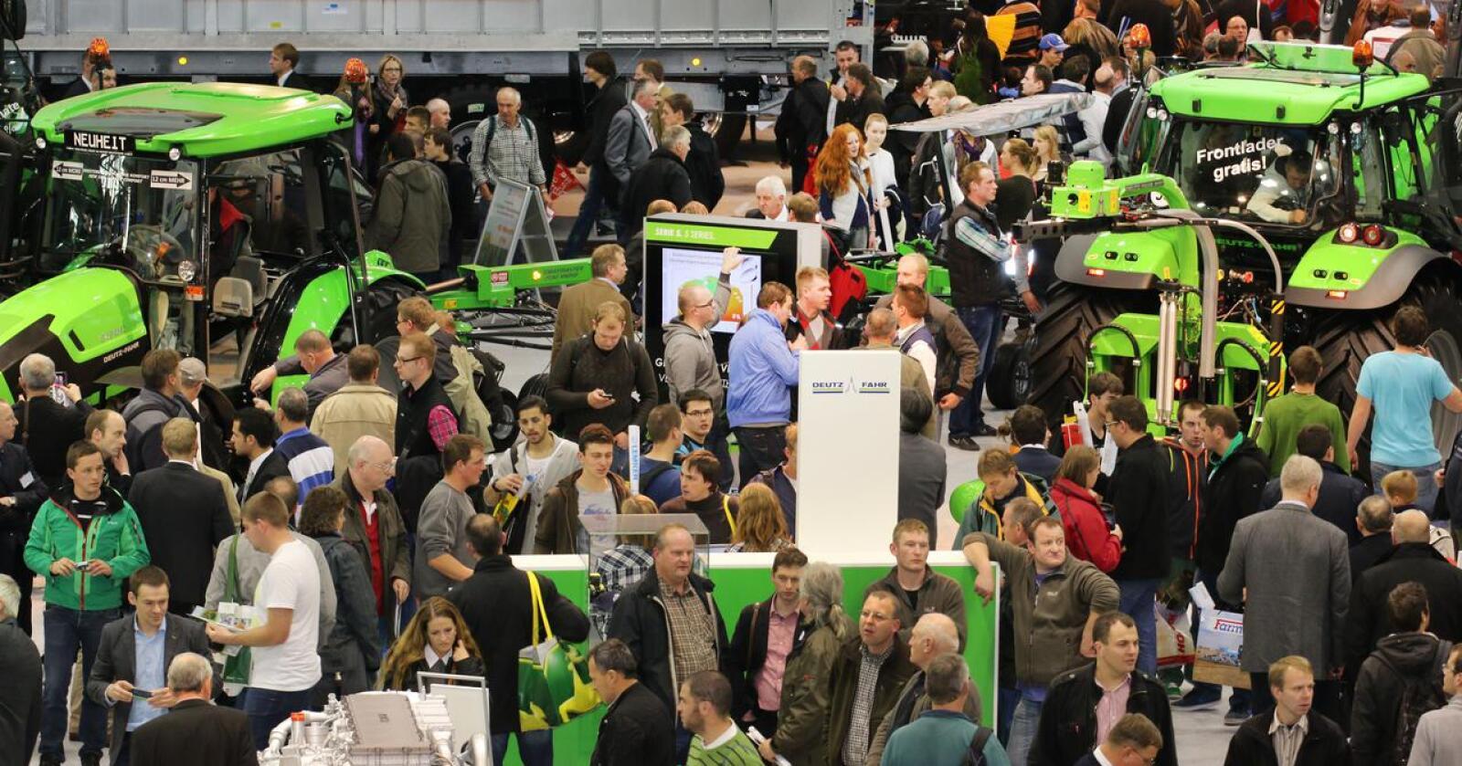 Agritechnica er flaggskipet blant internasjonale messer og kjent for å samle enormt med beslkende. Nå flyttes messa fire måneder frem i tid. Arkivfoto: DLG