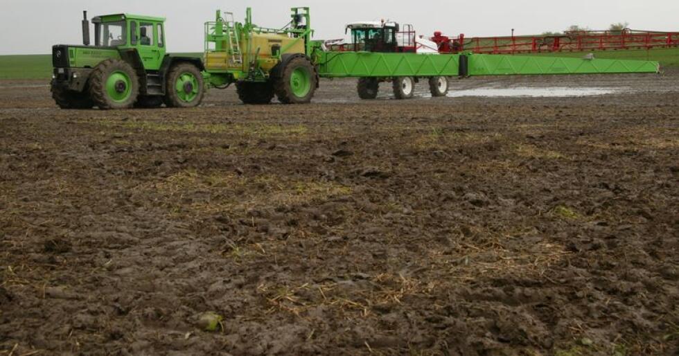 Et tysk glyfosatforbud vil redusere avlingene fra syv til 22 prosent og gi en oppsving for dem som selger diesel, skriver Øystein Heggdal. (Arkivfoto)