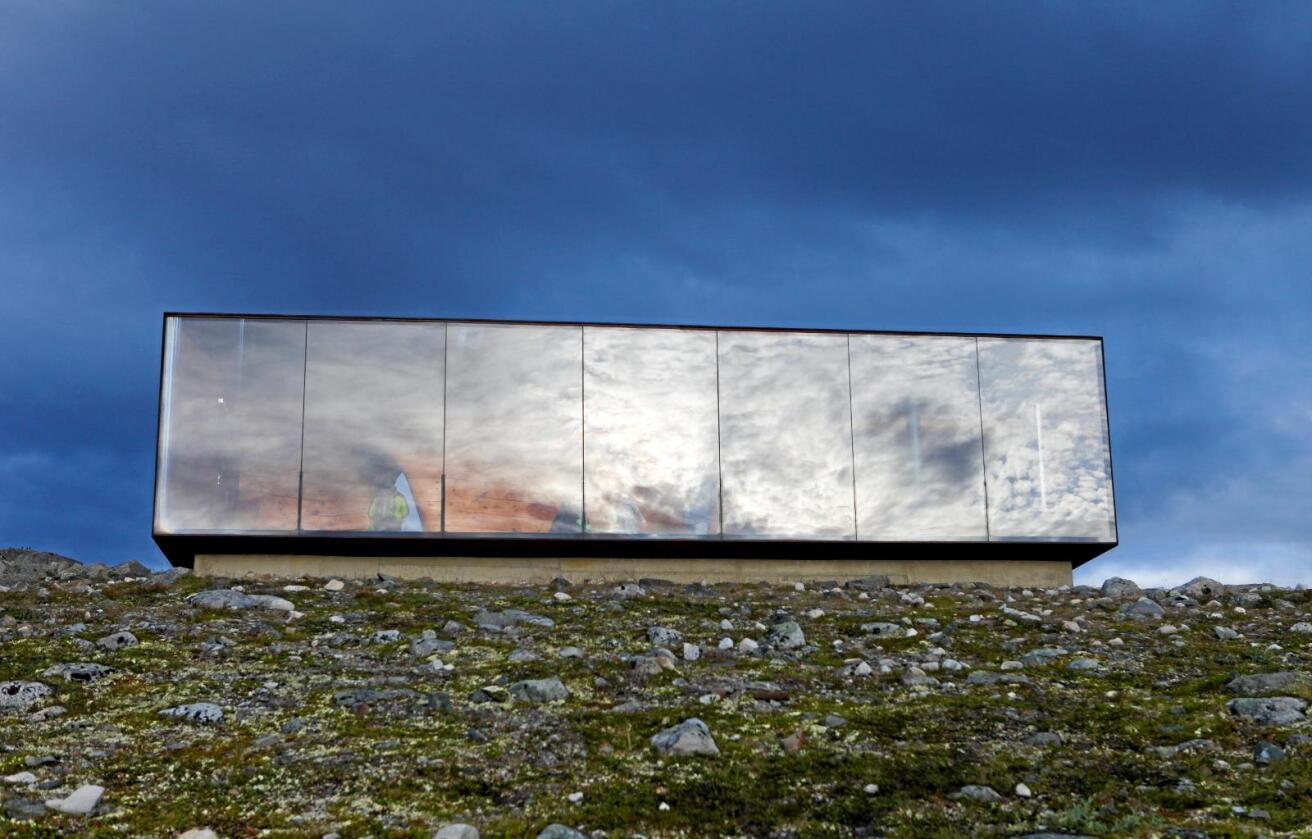 Landskapet: Vi tek val som synest i landskapet, og som dermed formar kva historie landskapet skal fortelje. Snøhetta utkikkspunkt på Hjerkinn vart oppført i 2011. Foto: Marianne Løvland / NTB scanpix