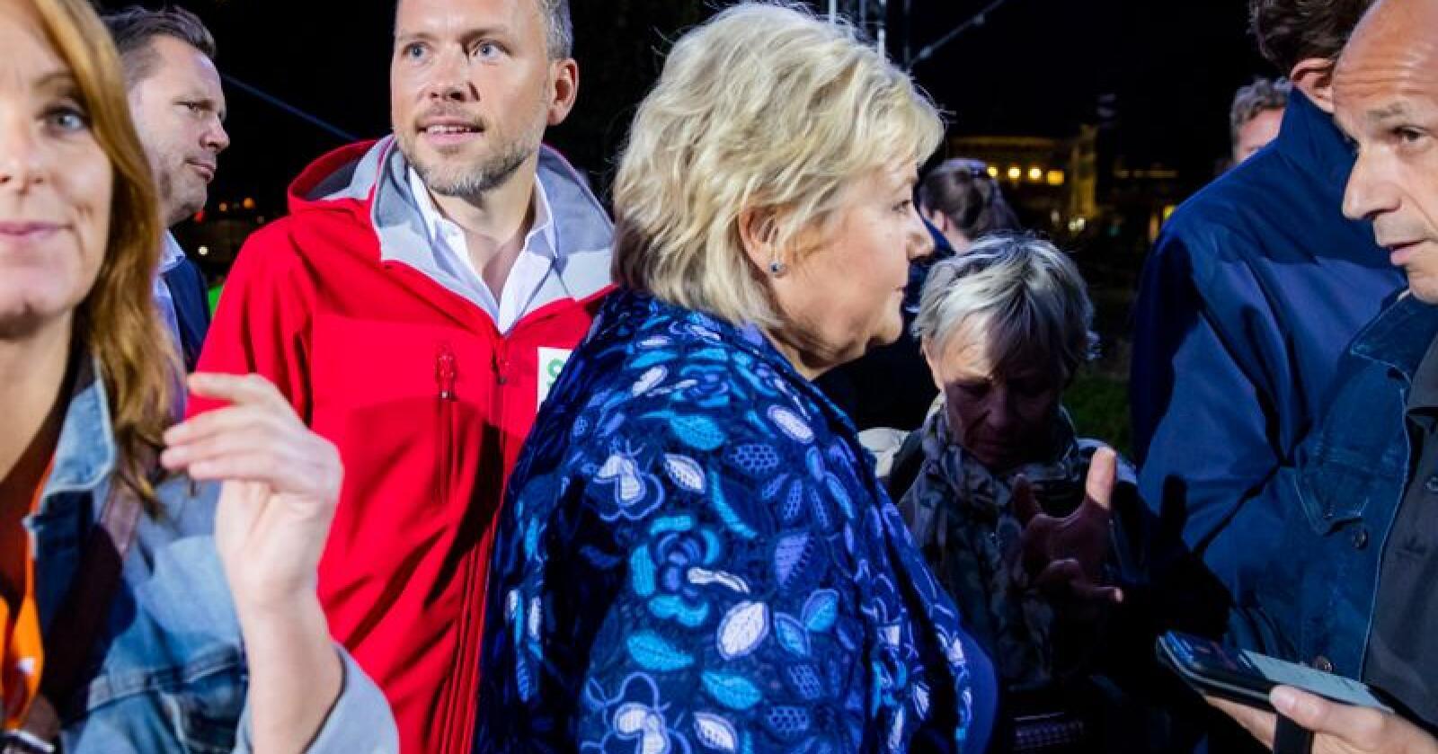 SV-leder Audun Lysbakken mener Norge er på feil kurs når formuene klumper seg sammen i Oslo og storbyene, og at statsminister Erna Solberg (H) bidrar til å forsterke trendene. Foto: Håkon Mosvold Larsen / NTB scanpix