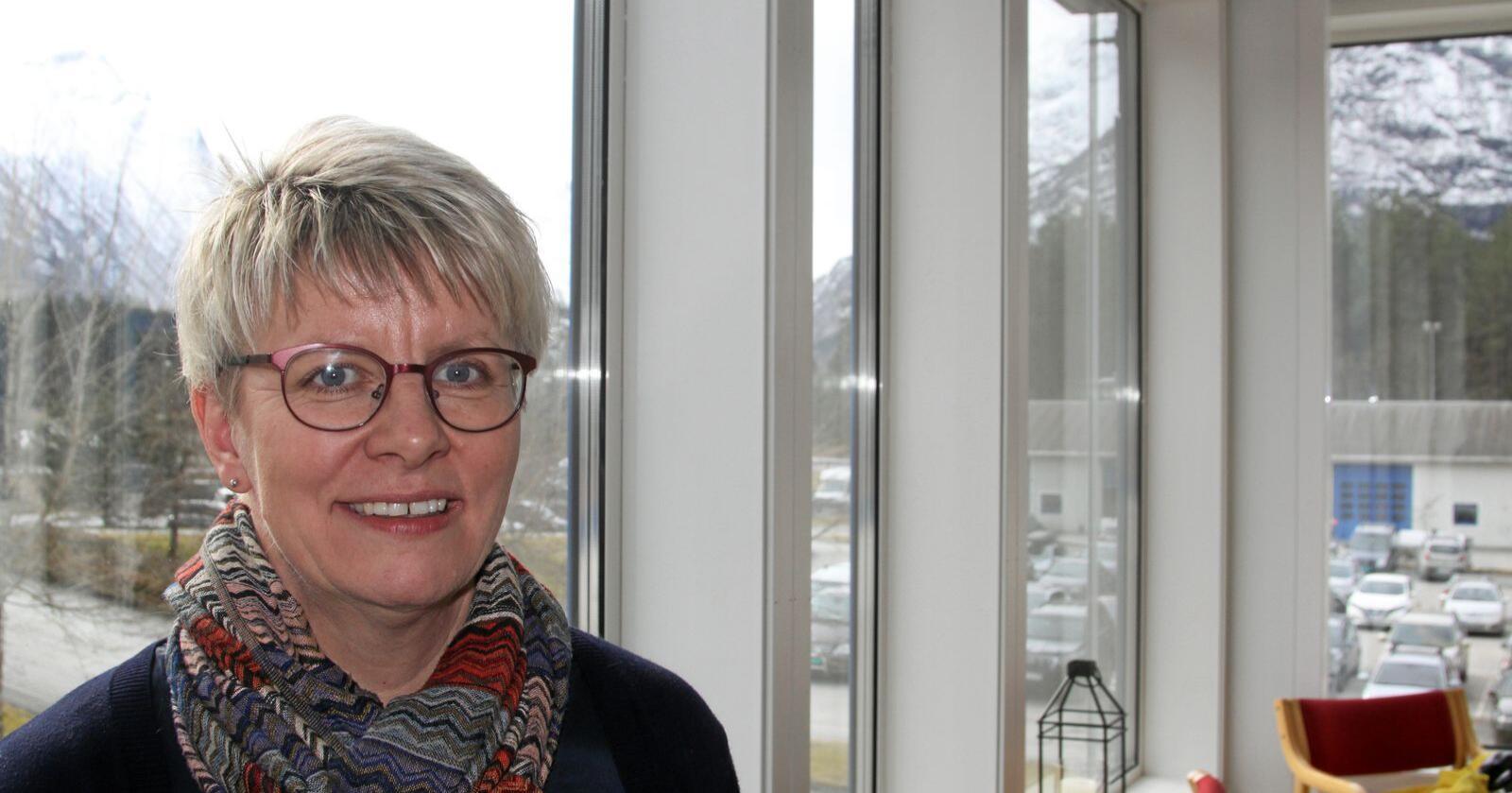 Vi forstår selvfølgelig at vår konkurrent ikke ønsker å gi fra seg «gratis penger», men i Norge trenger vi konkurranse på like vilkår. Det har vi ikke i dag, skriver Marit Haugen, melkebonde, eier og styreleder i Tine. Foto: Janne Grete Aspen