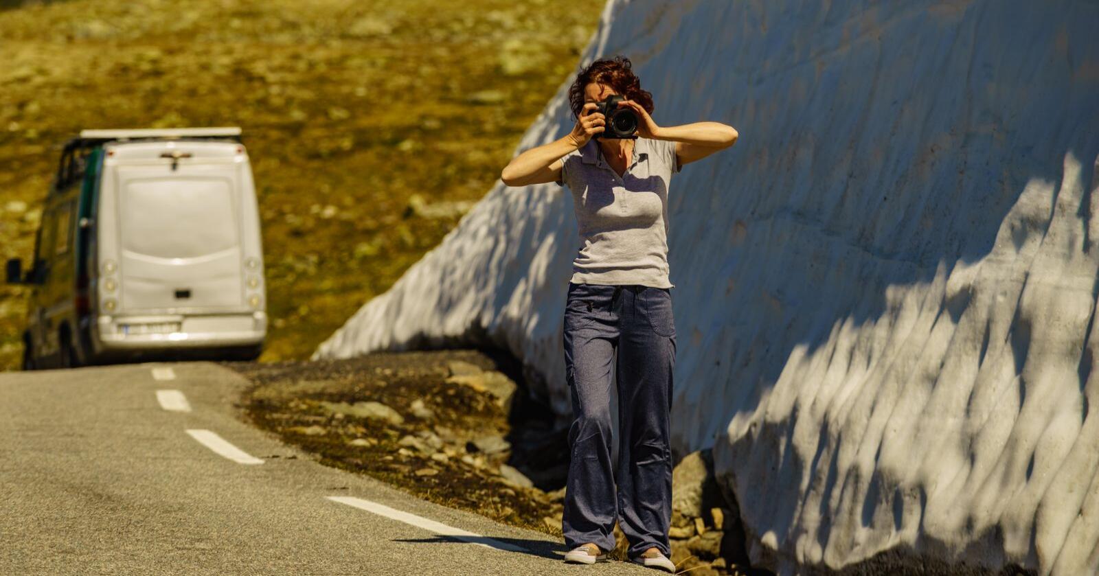 Merkbart: Reiselivskommunene har i høy grad fått merke de alvorlige følgene av stengte grenser, reiserestriksjoner, nedstengninger og krav om sosial distansering, skriver forfatterne av kronikken. Foto: Mostphotos