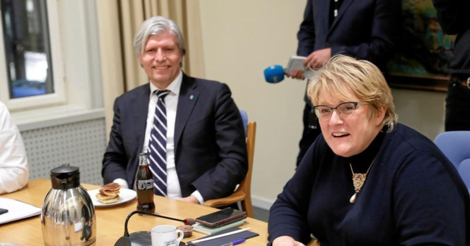 Får kritikk: Venstres nestleder Ola Elvestuen og leder Trine Skei Grande. Foto: Terje Bendiksby / NTB Scanpix