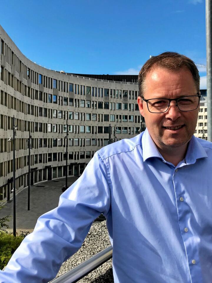 For første gong på 40 år har ein Senterpartist blitt leiar for kommunanes organisasjon KS. Bjørn Arild Gram er truleg den første ikkje-kaffidrikkaren som får denne posisjonen.