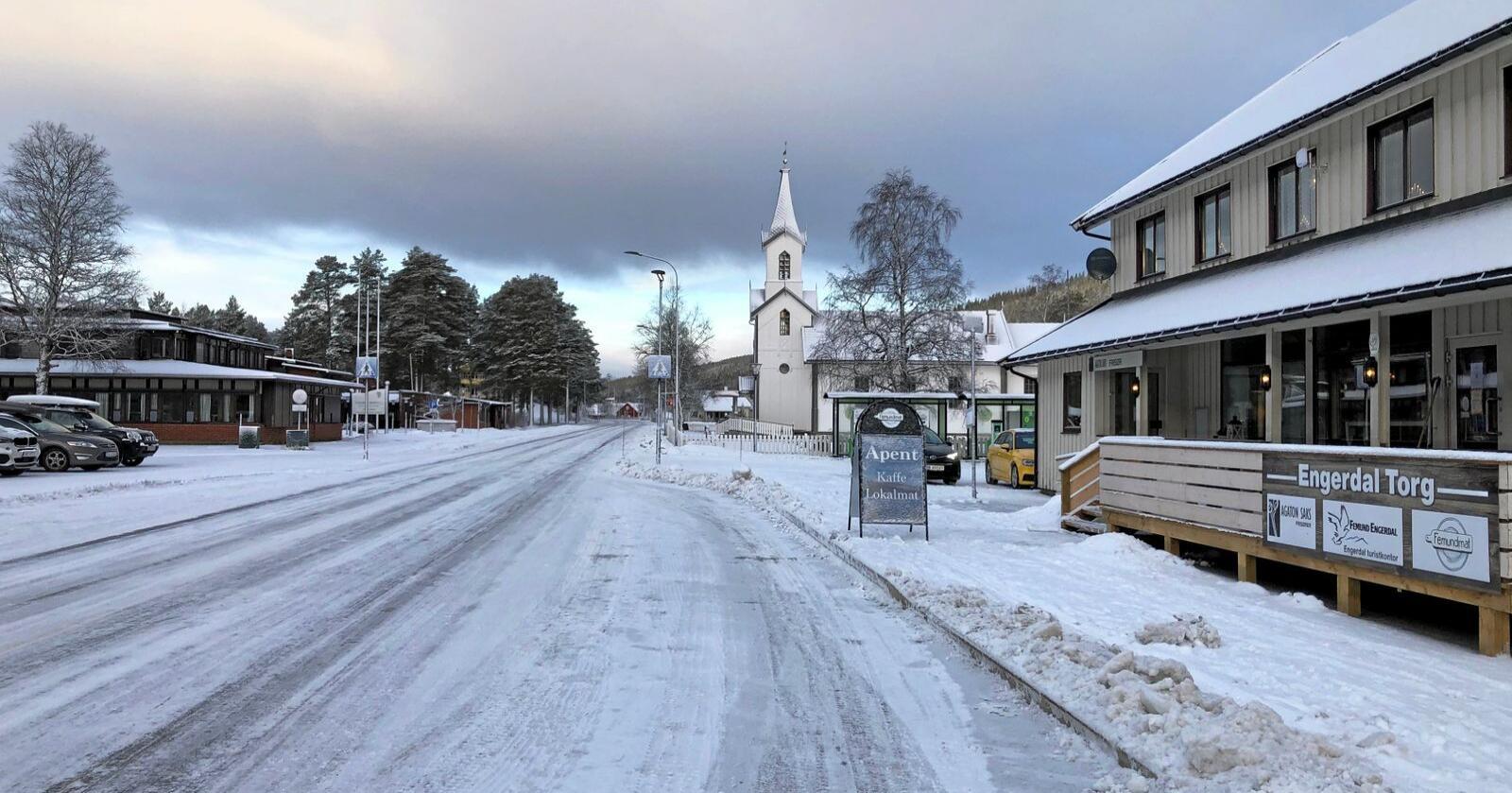 Sjokkis i sentrum: Engerdals lokalmatutsalg har ikke bare rein på menyen. Foto: Ellen Fauske Bleness