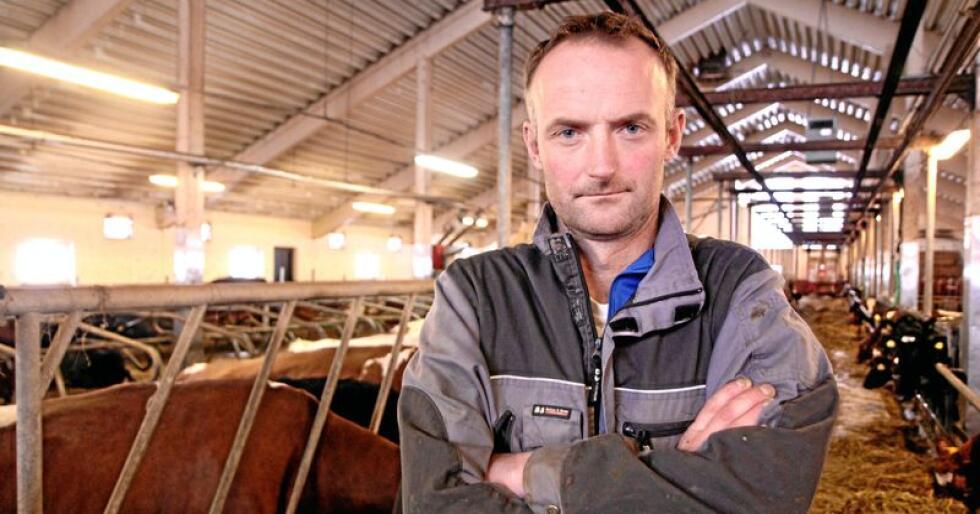 Anders Felde mener store deler av norsk landbruk er avhengig av kraftfôr. Foto: Svein Heggheim