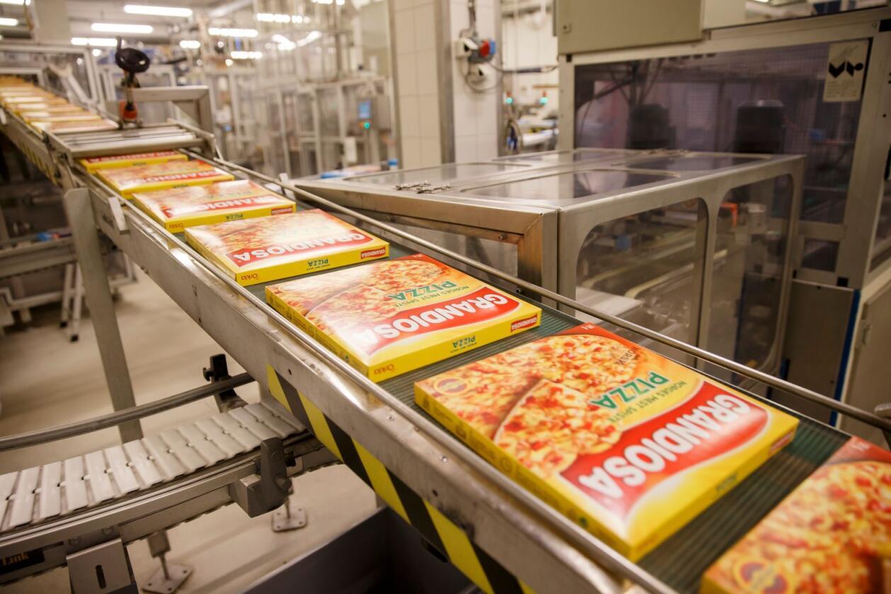 Orkla produksjonsanlegg for Grandiosa pizza på Stranda. Under virusutbruddet har unge og enslige spist mer ferdigmat, ifølge en undersøkelse fra Nofima. Foto: Cornelius Poppe / NTB scanpix