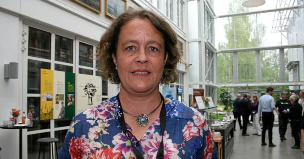 Tiltak: Elisabeth Gjems, leiar i Hedmark Bondelag, går inn for at Bondetinget skal stemme for fleire konkrete tiltak for å hindre spekulasjon med mjølkekvotar. Foto: Bjarne Bekkeheien Aase