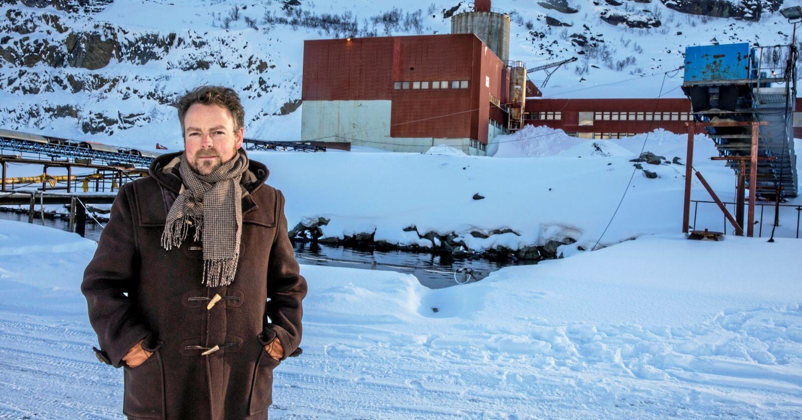 Næringsminister Torbjørn Kvalsund i Kvalsund i april i forbindelse med et folkemøte om gruveutvinning. Foto: Ole Berg-Rusten / NTB Scanpix