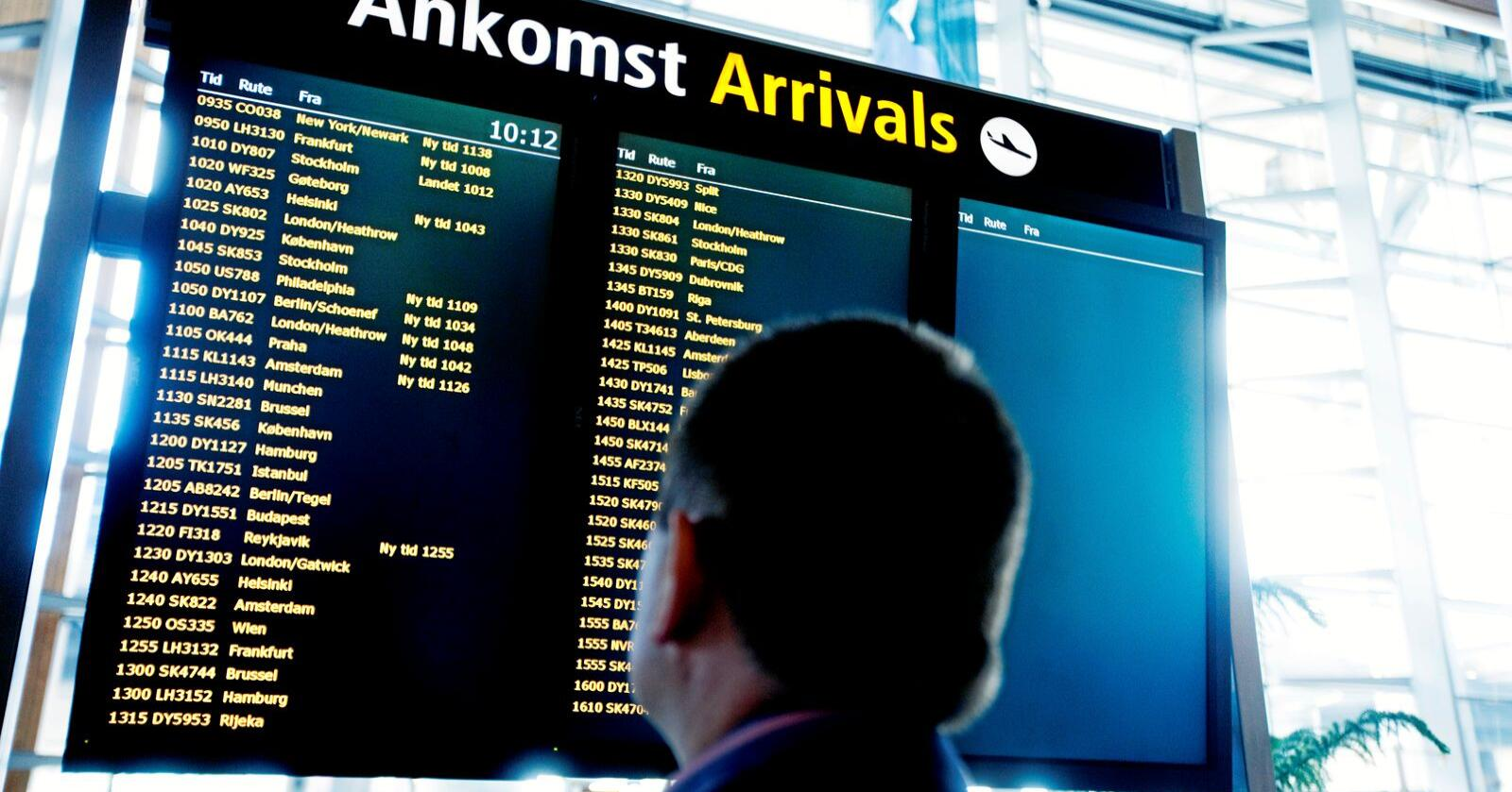 Å begrense folks mobilitet ved å gjøre det dyrere å fly vil være å bygge ned landet, skriver Jonny Finstad (H). Foto: Kyrre Lien / SCANPIX