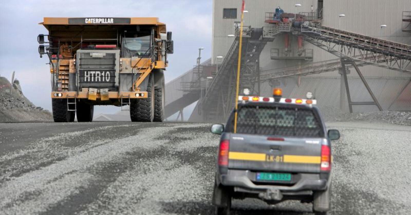 Nærings- og fiskeridepartementet gir driftskonsesjon for utvinning av jernmalm i Sør-Varanger i Finnmark. Vedtaket til Direktoratet for mineralforvaltnings med Bergmesteren for Svalbard (DMF) blir dermed opprettholdt, med noen endrede betingelser. Foto: Jan-Morten Bjørnbakk / NTB scanpix