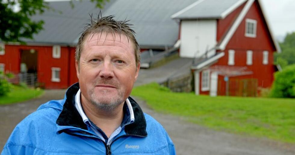 Halle Arnes i Norsk Landbruksrådgivnings HMS-avdeling forteller at det har vært en økning i antallet HMS-saker, og tror det har sammenheng med økt oppmerksomhet på helse. Foto: Tore Berntsen, Visualdays.no